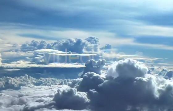 视频素材 飞行在云层云端之上 天空背景素材 Mov