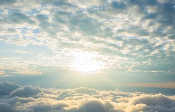 高清视频素材 黎明拂晓日出 流动云层之上 Sunrise Mov